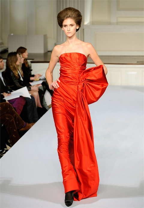 Red Oscar de la Renta Fall 2009-thumb-480x691-128426